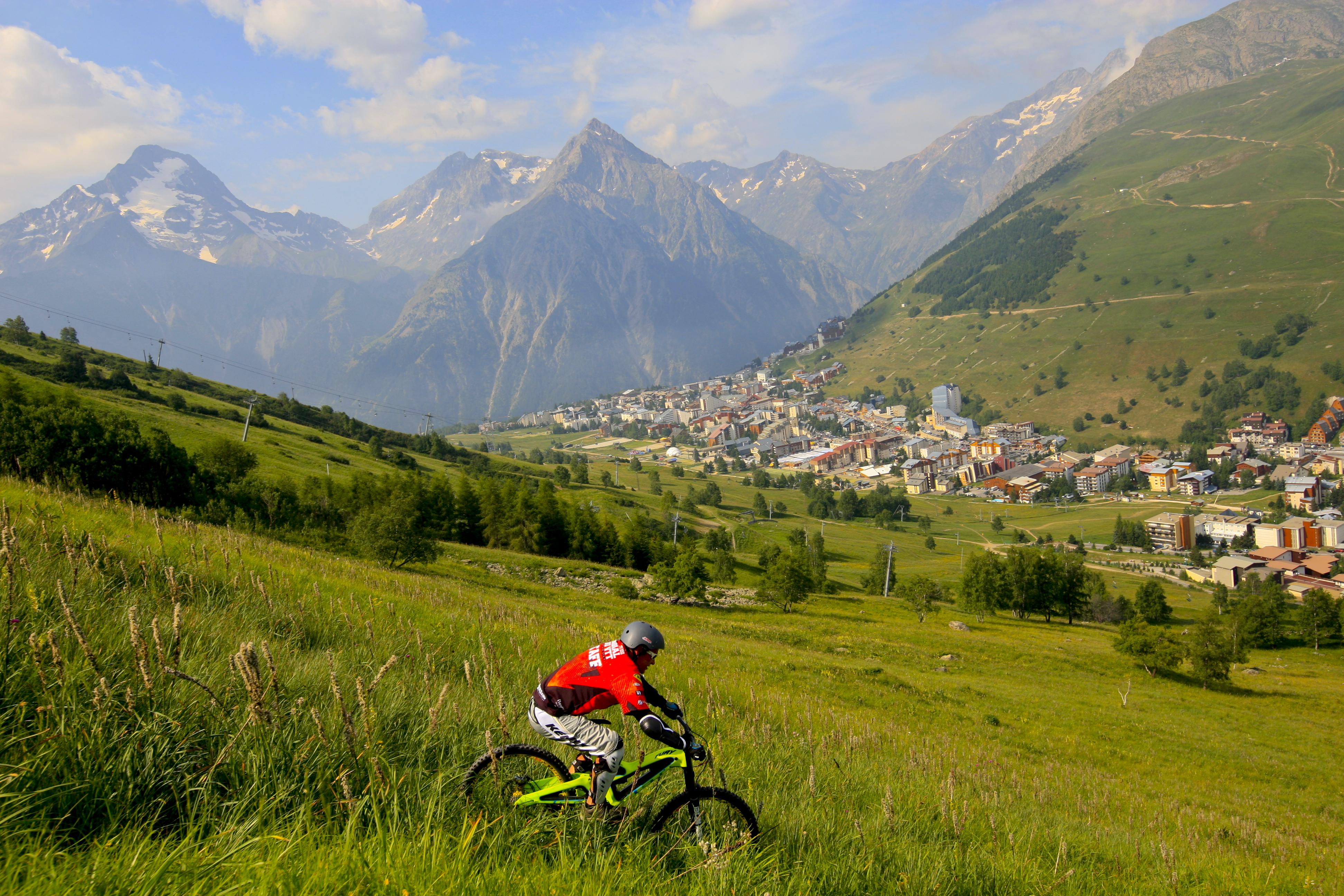 Office de tourisme des 2 alpes is re tourisme - Office du tourisme thollon les memises ...